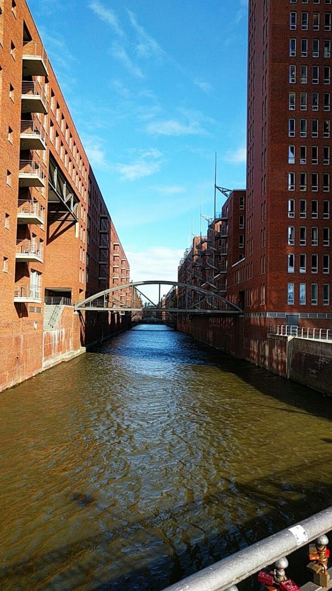 Hamburg, Speicherstadt (dzielnica spichrzów).jpg