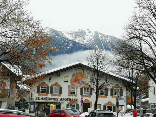 Garmisch, apteka z końca XVIII wieku.jpg