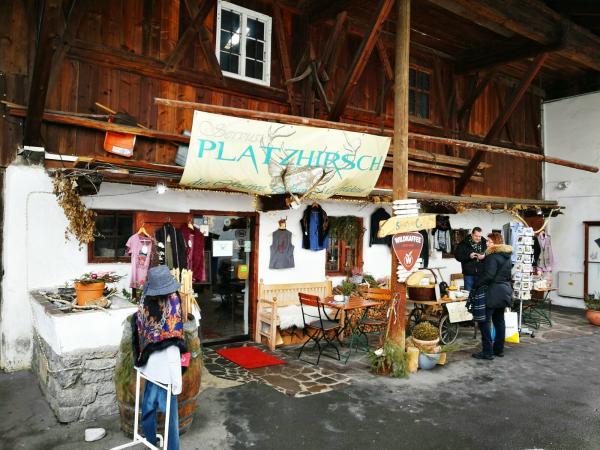 Garmisch, sklep ze starociami.jpg